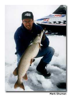 Winter sports abound in eagle river wisconsin for Eagle river wi fishing report