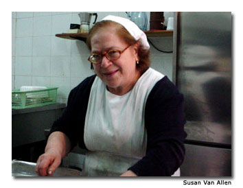 Even the trattoria cook is a lookalike of those broad, expressive faces that entertained me as a kid.