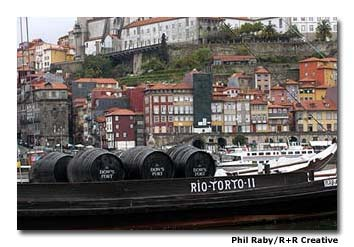 Port was originally transported downstream in barrels on traditional wooden boats. Each Port lodge maintains one of these historic boats.
