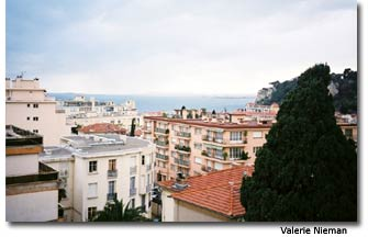The view from the balcony rooms at the Hotel Agata in Nice live up to the high quality standards of the Logis System.