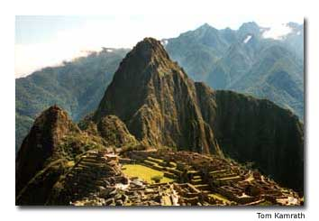 Located on a ridge between the mountainsof Machu Picchu and Huayna Picchu, these ancient Incaruins are truly a world wonder.