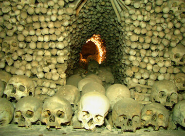 Skeletons of Sedlec. Flickr/michael 7601