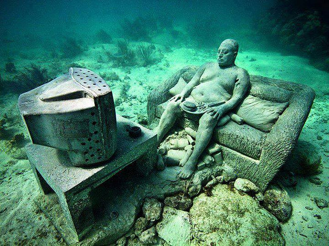 Cancun Underwater Museum. Flickr/2il org