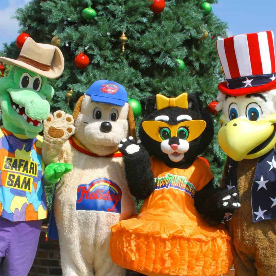 Join Holidog, Kitty Claws, and all their friends for some singing and dancing fun in Holidog's FunTown!