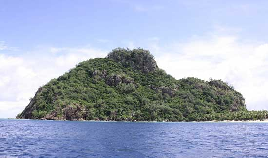 Approaching Monuriki Island in Fiji. Photo by Richard Varr