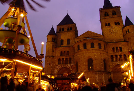 The Christmas market in Trier, Germany's oldest city. Photo by Historic Highlights of Germany