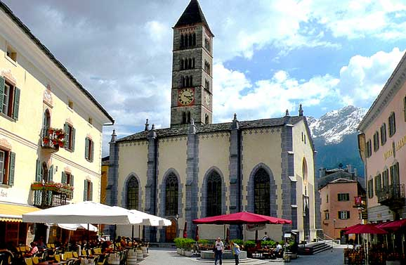 Piazza in Poschiavo. Photo by Annie Palovcik