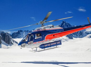 Helicopter Line heli-hiking at Fox Glacier in New Zealand