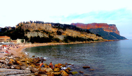 Beachfront in Cassis. Photo by Annie Palovcik