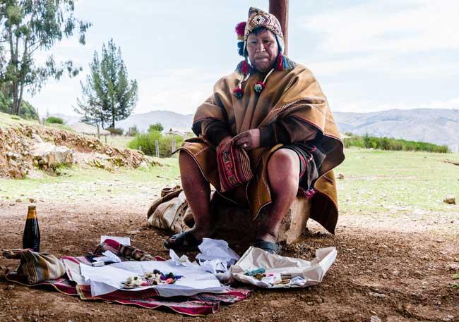 Peruvian shaman. Flickr/Steven dosRemedios