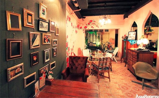 A coffee house in Old Phuket Town. Photo by Arman Shah/Asiarooms