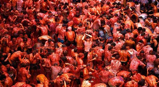this infamous festival that's no more than a giant tomato fight.