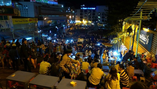 A scene from the night market that takes place every weekend in the heart of  Dalat. Photo by Ling Xin Sia