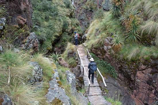 Hiking to Huchuy Qosqo Photo by Craig Sheather