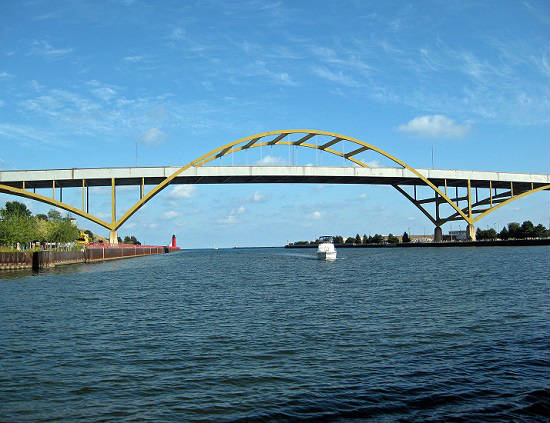 Milwaukee boat tours offer stunning sights.
