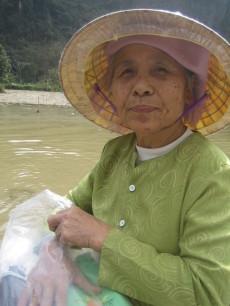 Passenger Ngo Dong River Vietnman