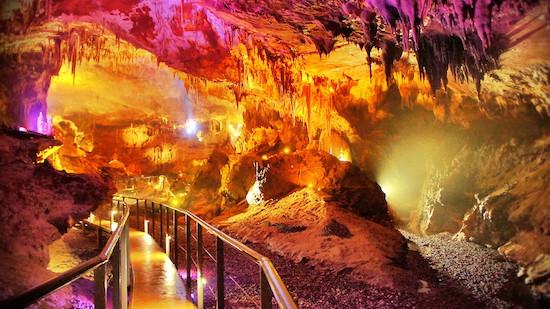 Prometheus Cave in Kutaisi, Georgoa