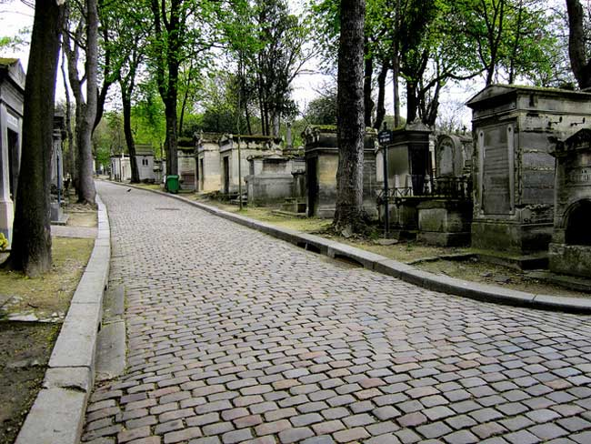 Walking through Père Lachaise Cemetery, the largest and most well-known cemetery in Paris. Flickr/Oh Paris
