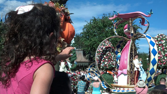 Amalie exclaims as she sees Cinderella and the Prince in the Festival of Fantasy Parade. Photo by Don Rader