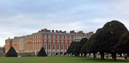 A Yank in the Queen's Court: Overnight in Hampton Court Palace