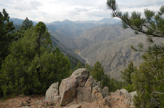 Hiking on Lookout Mountain near Golden, Colorado. Flickr/eef ink
