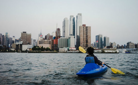 Kayaking in New York might seem odd, but it is surprisingly clear and enjoyable.