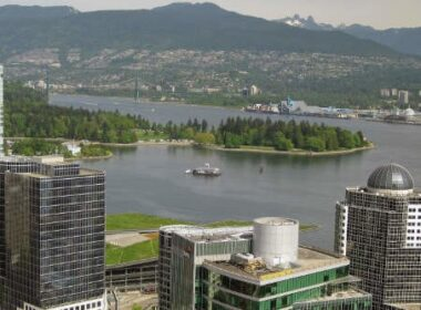 Visiting the Vancouver Lookout is a great trip idea for families.