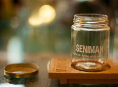 Visitors can take barista classes at The Seniman Coffee.