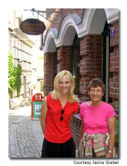 Travel blogger Janna Graber will her mom in Germany