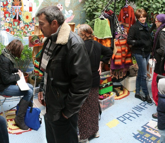 Art markets are a great way to spend a day in Mexico.