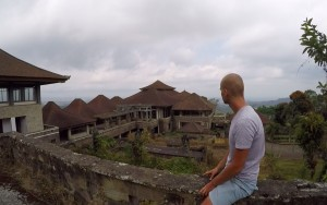 Video: Abandoned Hotel in Bali