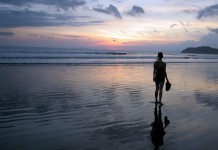Women travel - traveling along