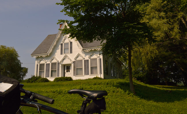 The villages and towns of Maine are filled with beautiful New England homes.