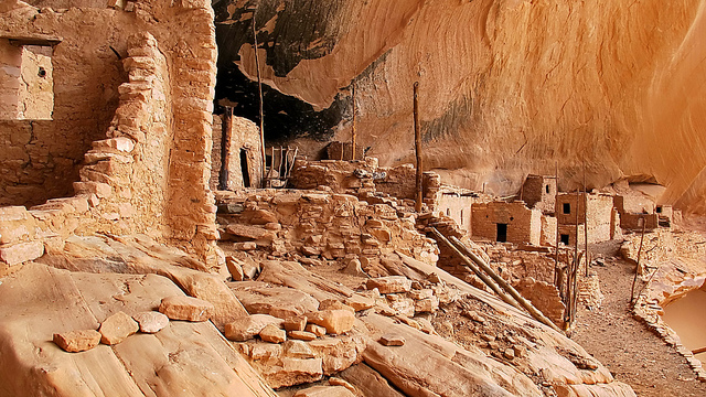 The cliff dwellings of Mesa Verde National Park, Colorado Flickr/Alan English