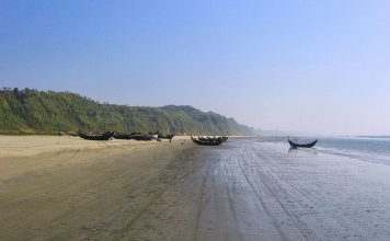 Cox's Bazar near the Bakkhali River Estuary. Photo by Flickr/eutrophication&hypoxia