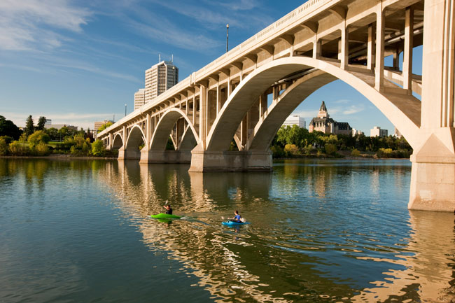 Travel in Saskatoon - Kayaking on the South Saskatchewan