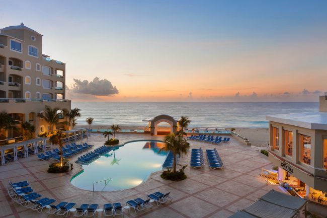 Sunset at the Gran Caribe Resort in Cancun, Mexico. Photo courtesy Gran Caribe