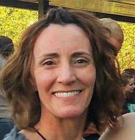 Travel blogger Debbie Miller Pond