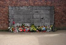 Auschwitz: The execution wall. Photo by Flickr/Antony Stanley