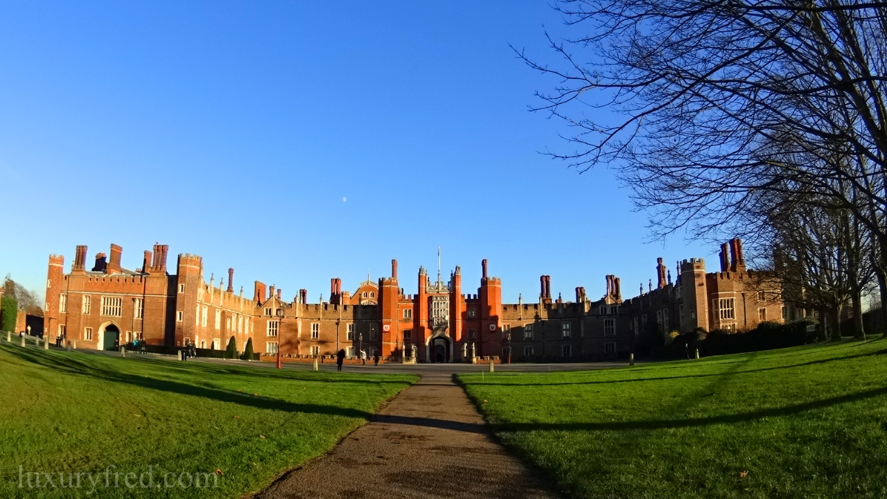 London Day Trip to Hampton Court Palace