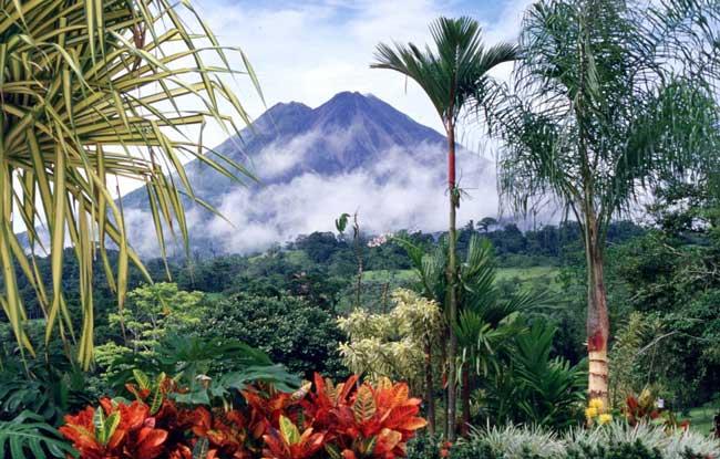Arenal volcano in Costa Rica. Flickr/Arturo Sotillo