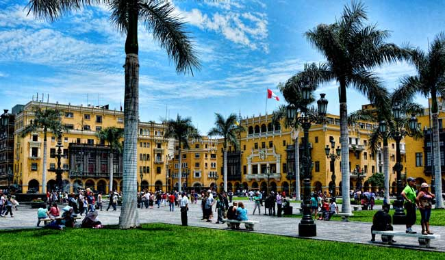 Plaza de Armas in Lima, Peru. Flickr/Mariano Mantel