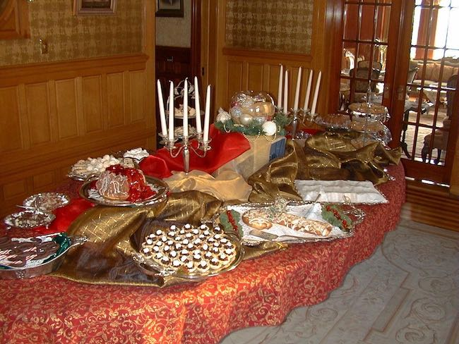 Christmas Tea, Photo courtesy of NagleWarren Mansion