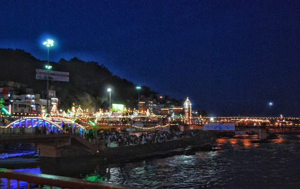 Hadiwar at night. Photo by Rafaela Schneider