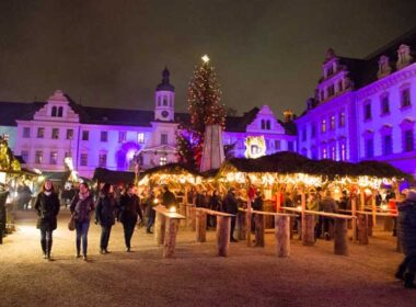 Walking through the Romantic Christmas Market at Thurn und Taxis Palace. Photo by Benjamin Rader