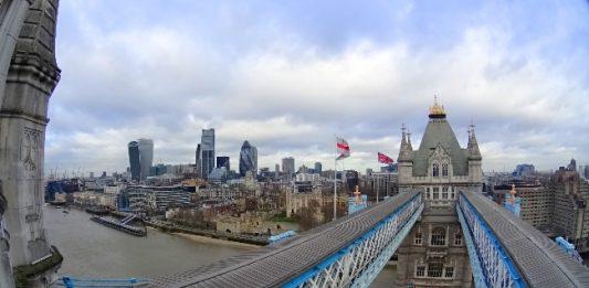 5 Essential London Travel Hacks