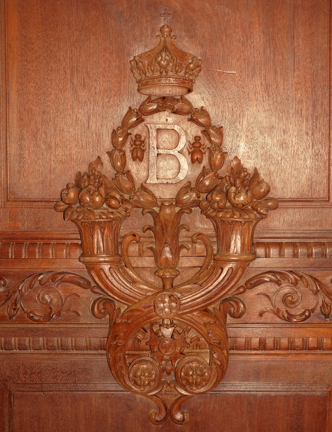 Napoleonic carving in paris