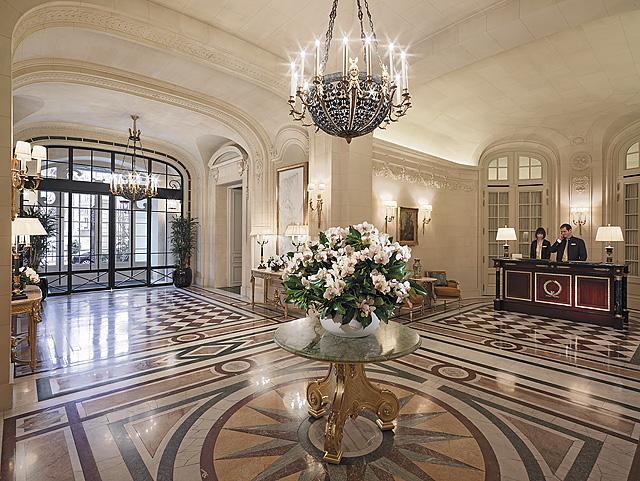 Shangri-La Paris lobby
