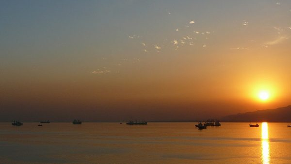 Sunset over the Suez Canal. Photo by Flickr/Cycling Man