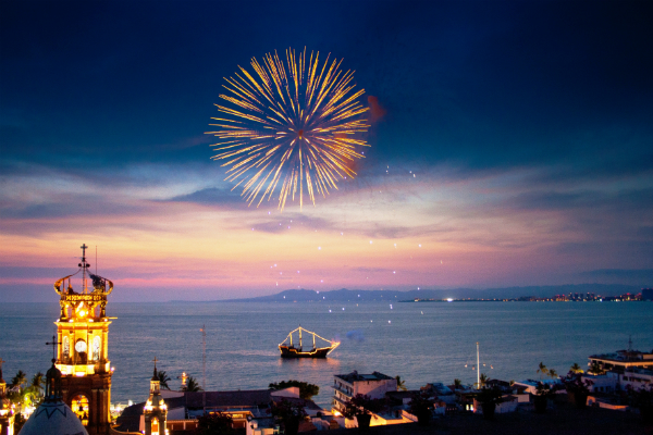 Puerto vallarta Malecón. Fireworks at night. Photo by Fyllis Hockman